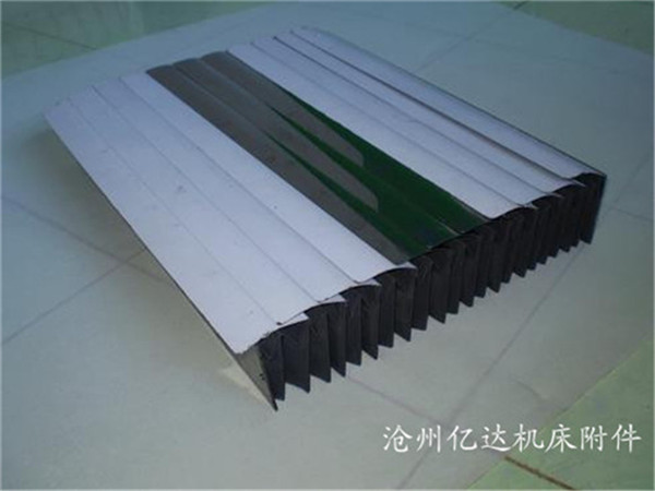 铁片能防重击,结构设计