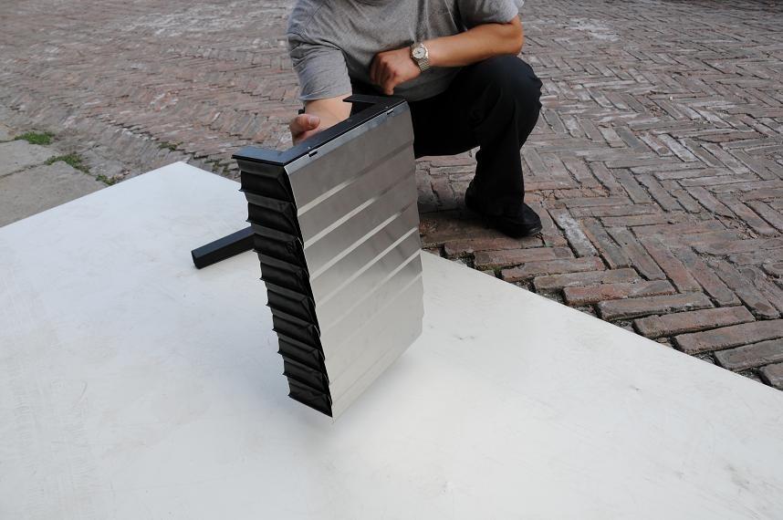 铠甲伸缩式防尘罩产品图