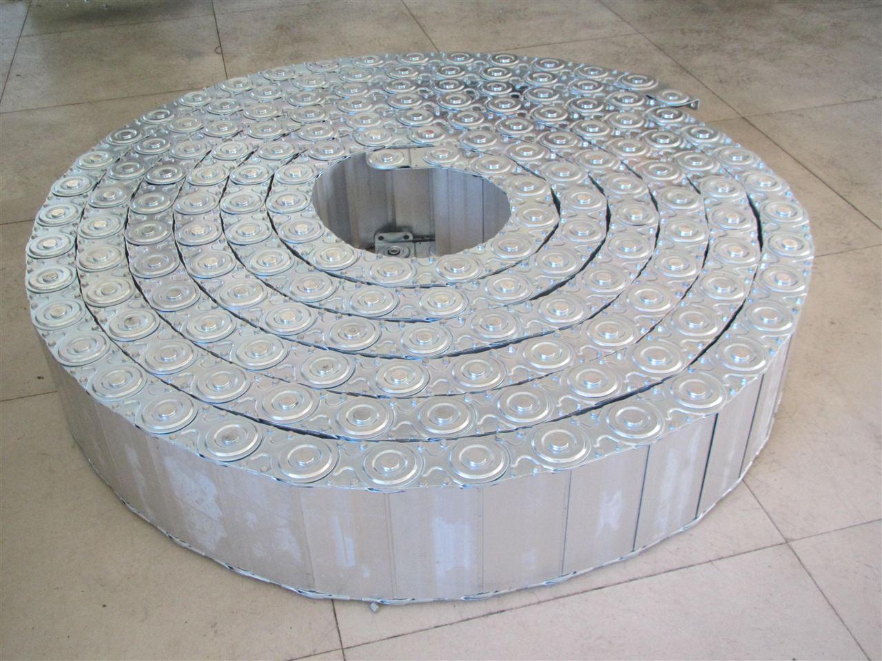 全封闭式钢铝拖链产品图