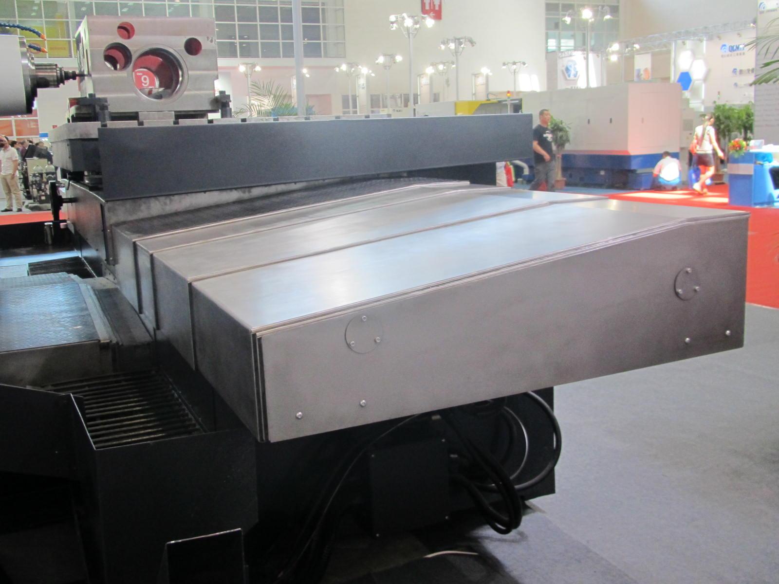 湖南立柱钢板伸缩防护罩产品图